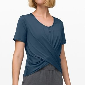 Lululemon do the daily crop top